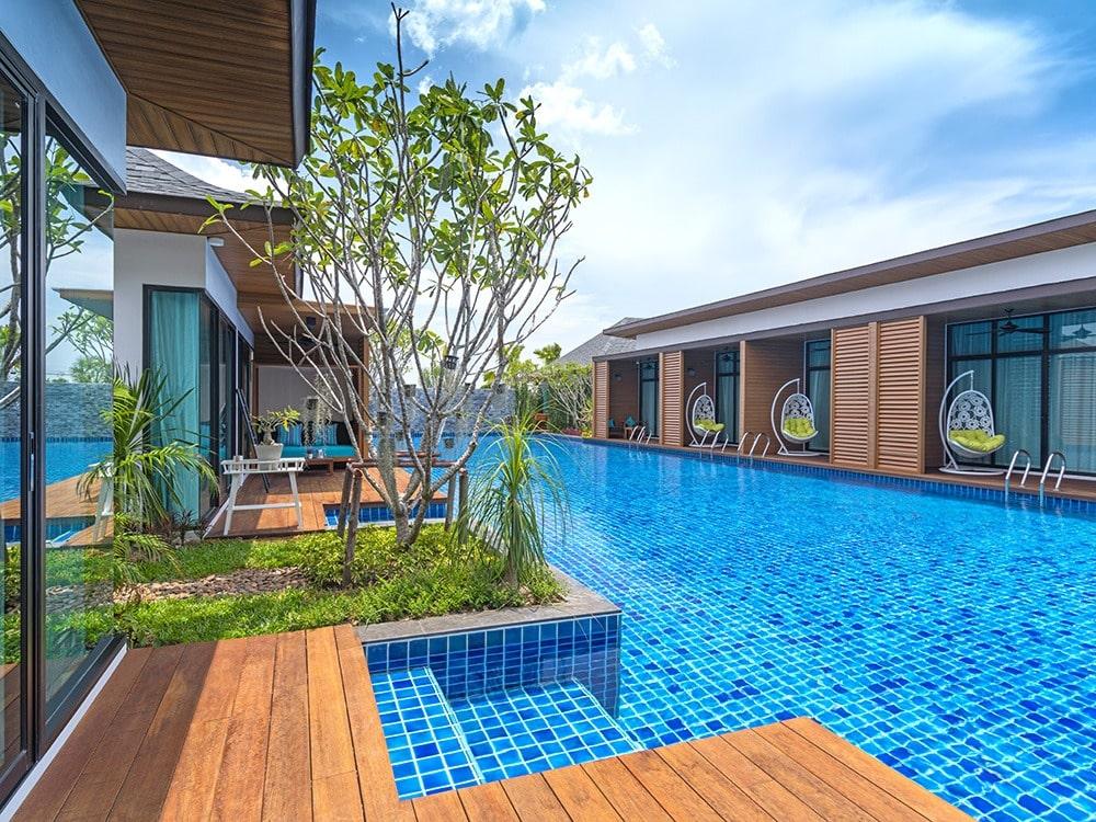 offer accommodation private villa